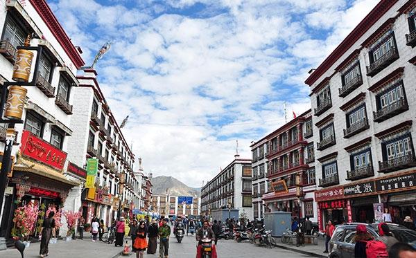 川藏线自驾游租车-拉萨