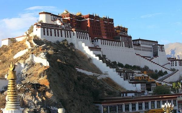 川藏线自驾游包车-布达拉宫