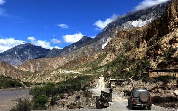 穿越四川,西藏,新疆,甘肃特种越野20日游